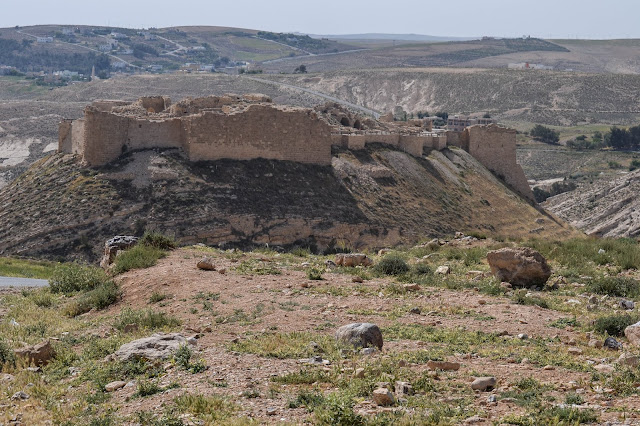 Archaeologist in Jordan uncovers secrets of Shoback castle's fall