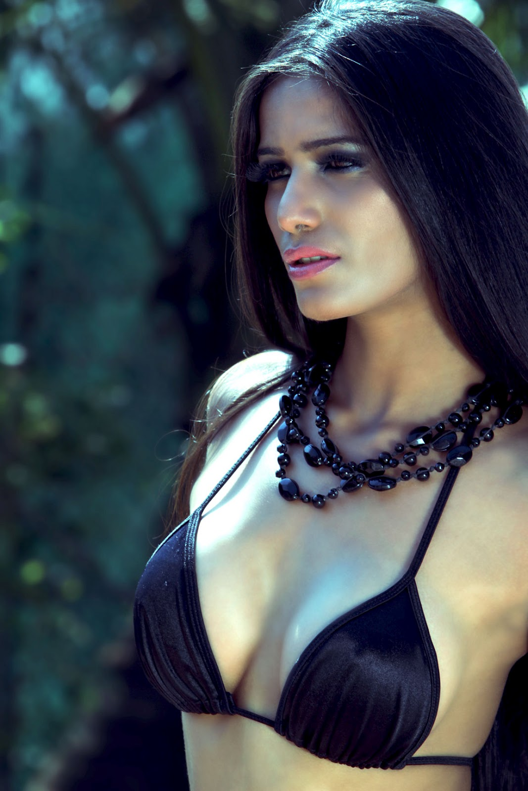 Wallpaper Hd Surfer Girl Hot Indian Models Poonam Pandey Latest Hq Pics Sms In