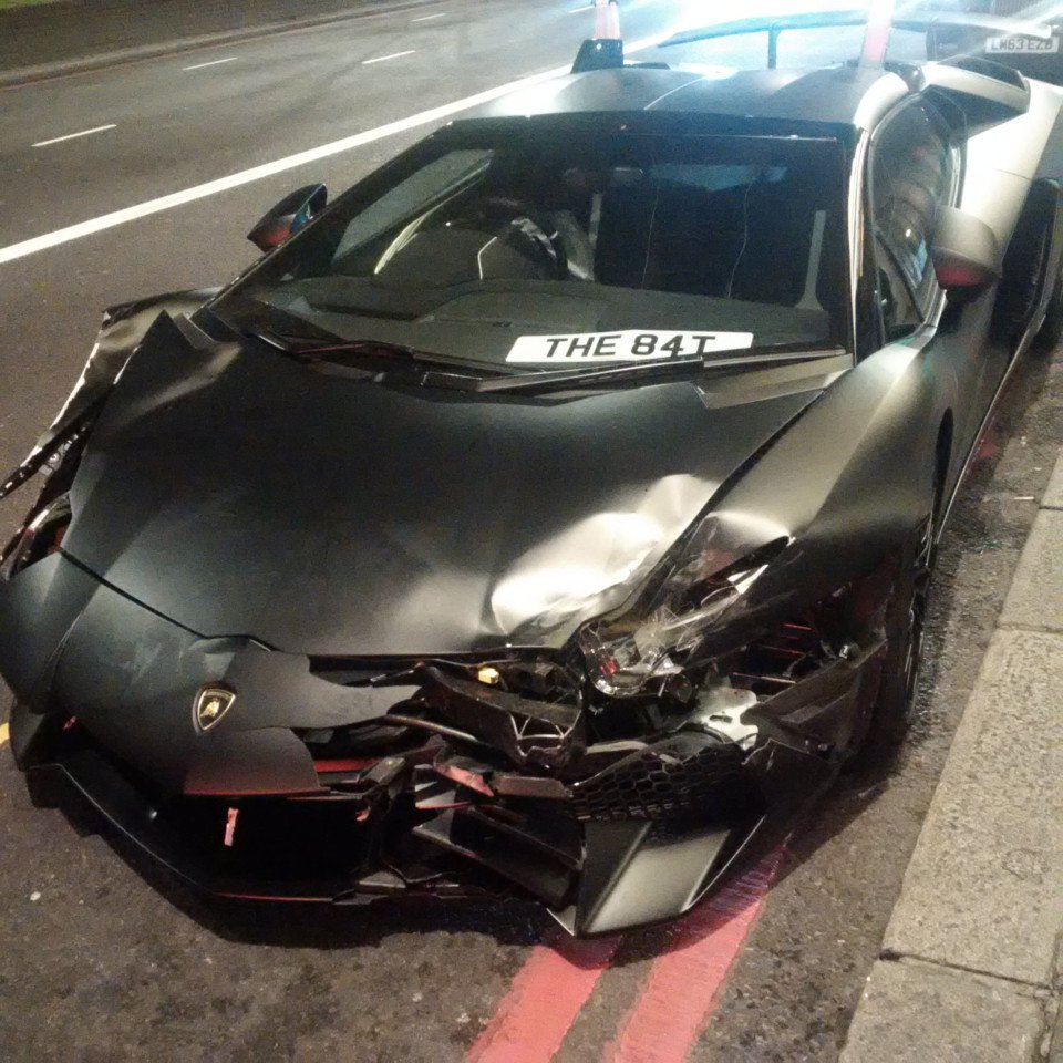 Lamborghini Aventador Sv Roadster Crashed In London By Student