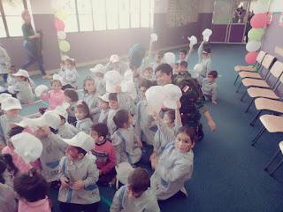 Prajurit Satgas Indobatt Hibur Anak-Anak Lebanon