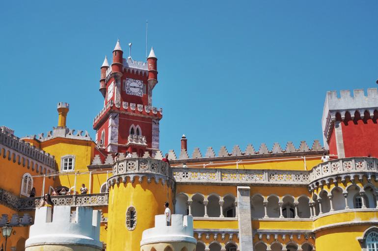 Le palais de Pena près de Lisbonne