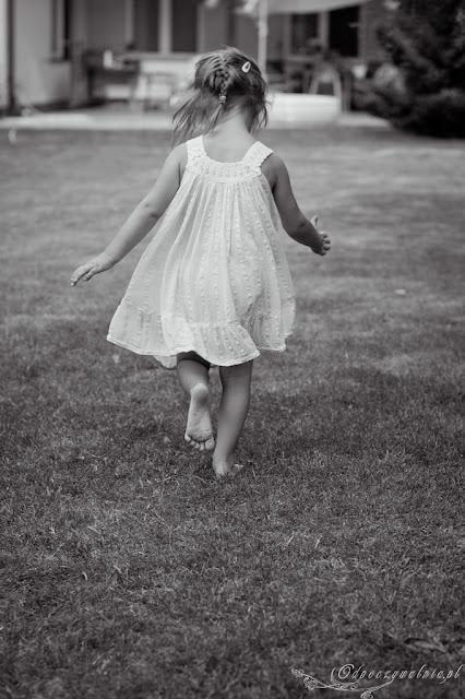 wakacje na wsi, integracja sensoryczna, radosne dzieciństwo