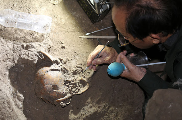 Neolithic burials discovered in Vietnam cave