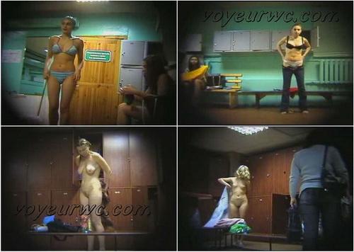 Girls in the Locker Room to the Swimming Pool (Lockerroom 01-45)