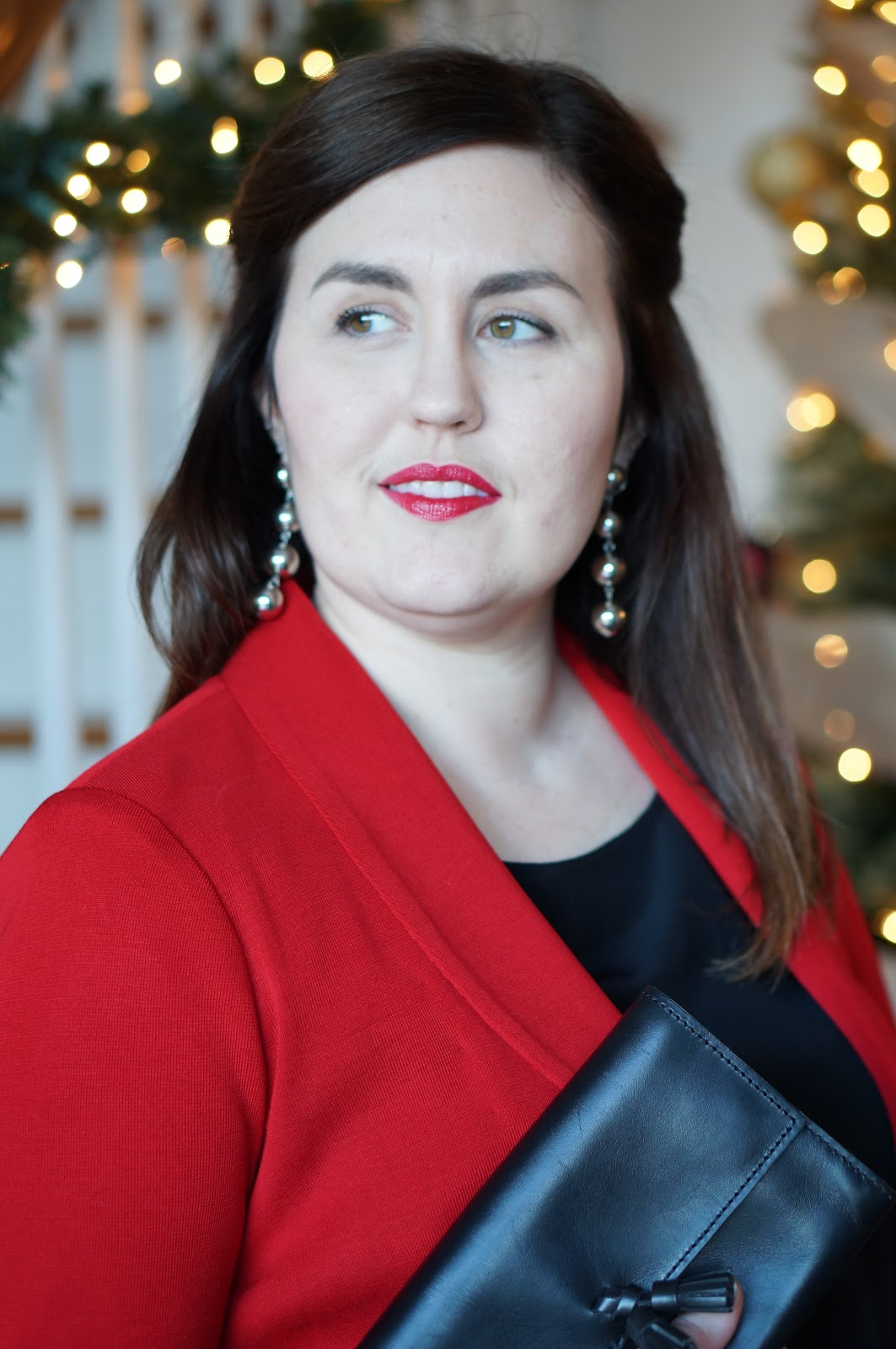 FALL STYLE | MISOOK HOLIDAY OUTFIT by North Carolina style blogger Rebecca Lately