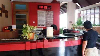lobby wisma makara ui universitas indonesia nurul sufitri mom lifestyle blogger kesehatan olah raga