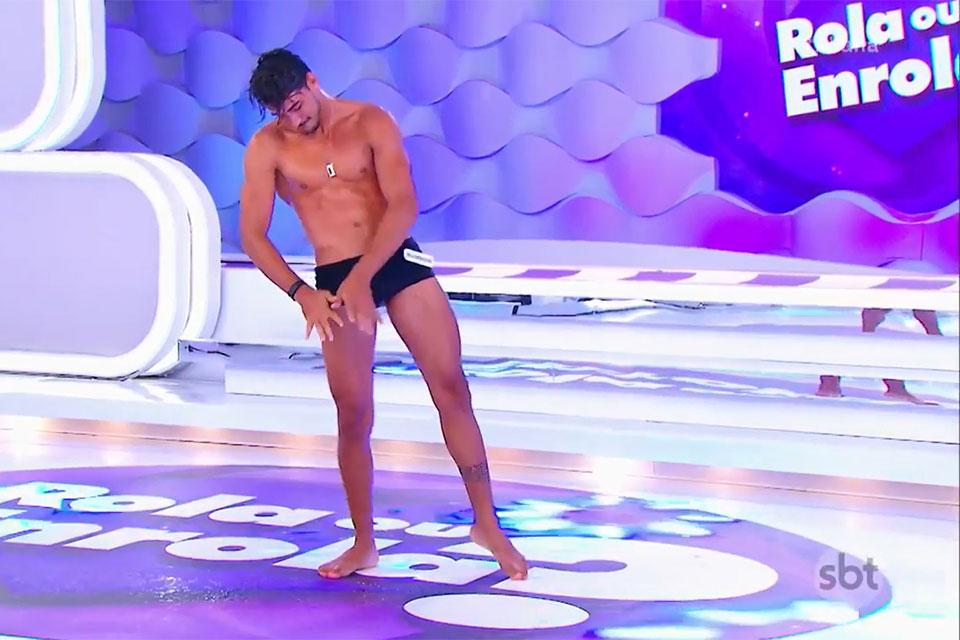 Robson Menezes animou a platéia ao dançar funk no palco do Programa da Eliana. Foto: Reprodução