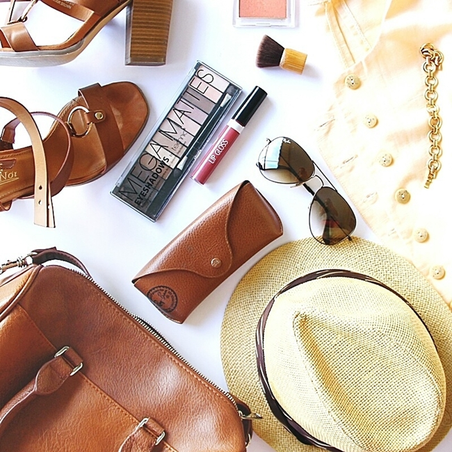 Jelena Zivanovic Instagram @lelazivanovic.Glam fab week.Best Instagram fashion flatlays.