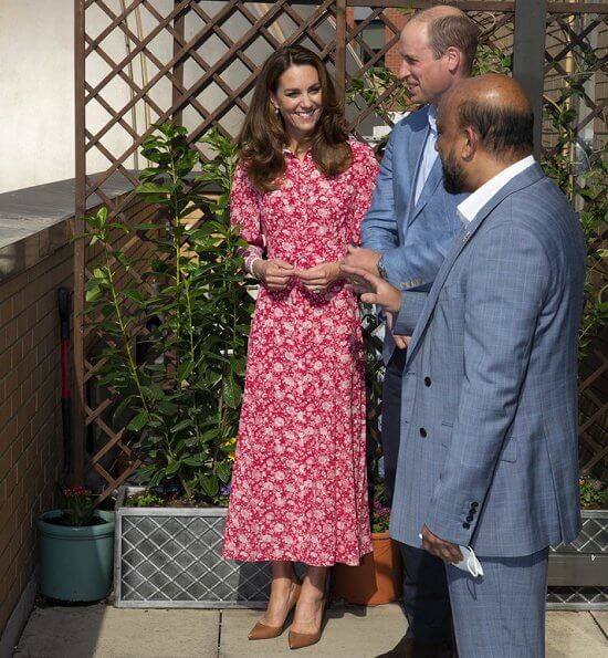 Kate Middleton wore Beulah London Calla floral shirt dress and Ralph Lauren Celia pumps, Kate a new gold pyramid charm earrings from Missoma