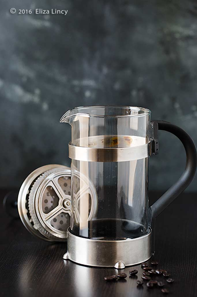 french press, coffee plunger image