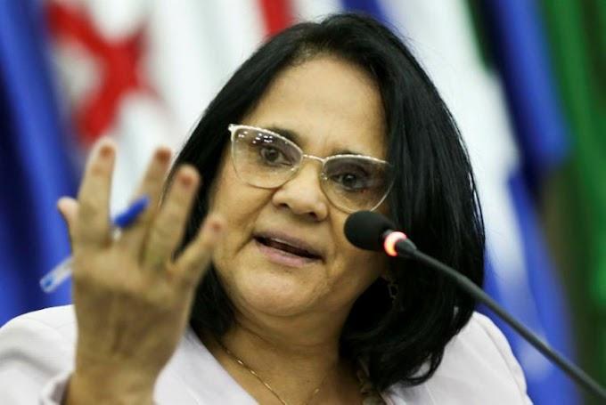 Após repercussão, ministra Damares Alves nega saída do governo