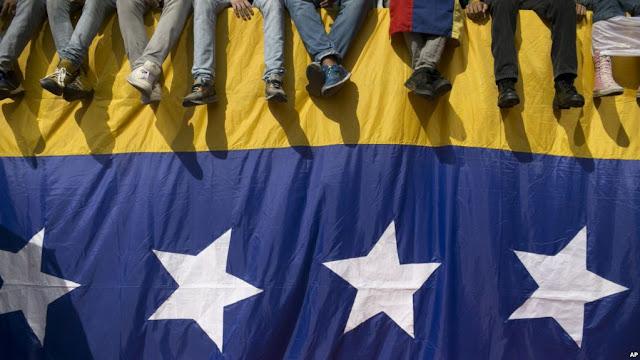 Gobierno de Maduro cerró la frontera marítima por mar caribe para impedir ayuda humanitaria.