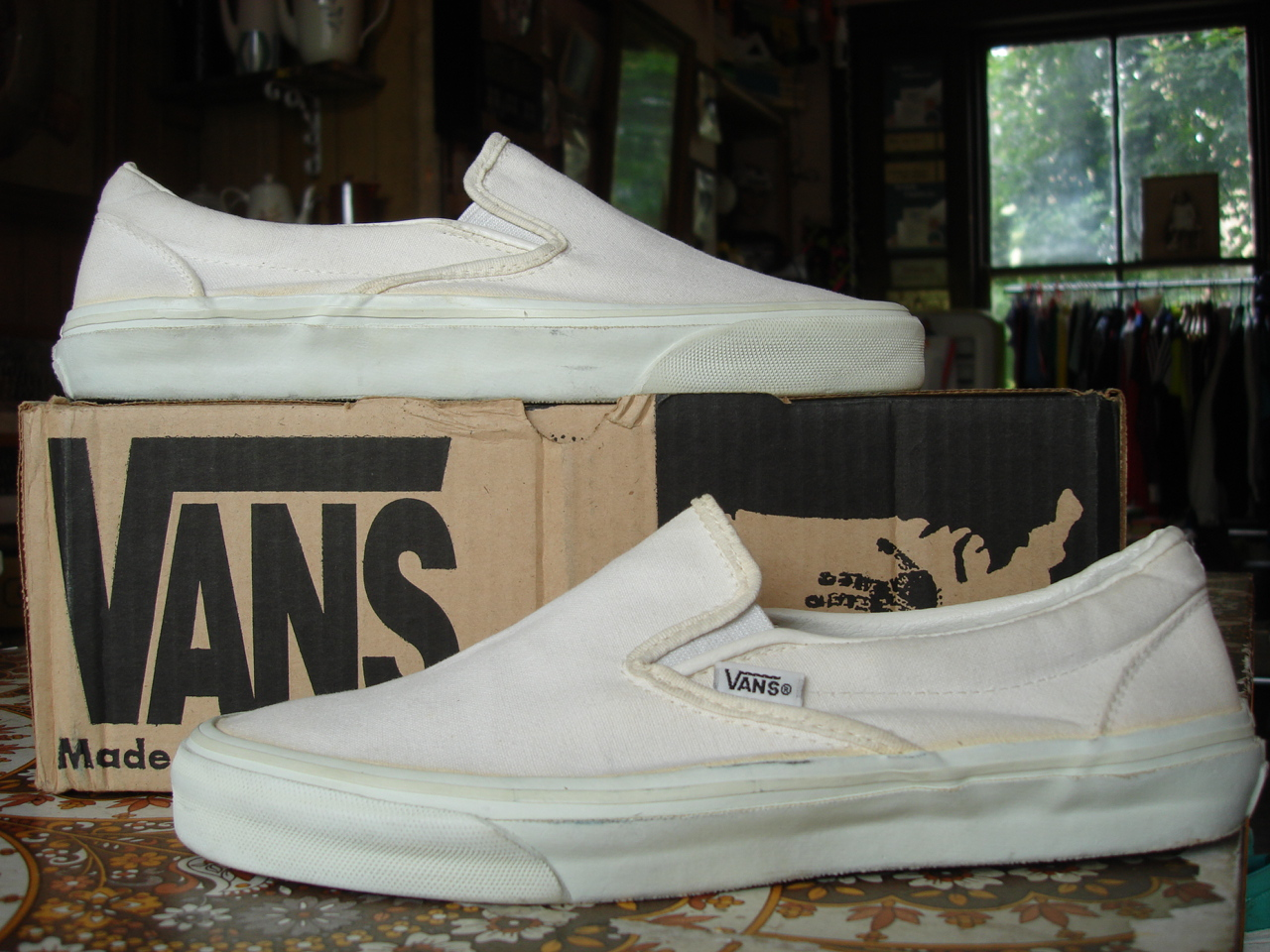 128440aa46 vintage vans style  98 slip-on white canvas made in usa circa 1993 used  (without box) US9.5 UK8.5-9