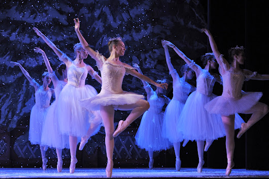 Nutcracker Opens Dec 11 : Pioneer Valley Ballet