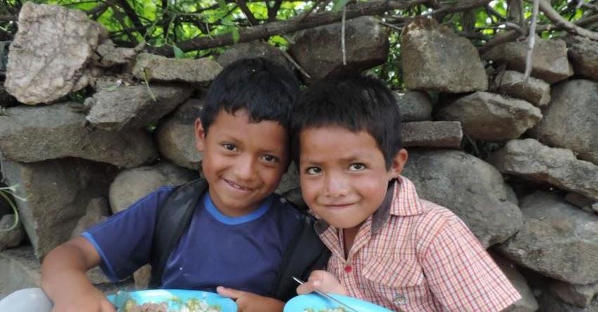 QALI WARMA: Programa social entrega alimentos a escolares refugiados en albergue en Lambayeque - www.qaliwarma.gob.pe