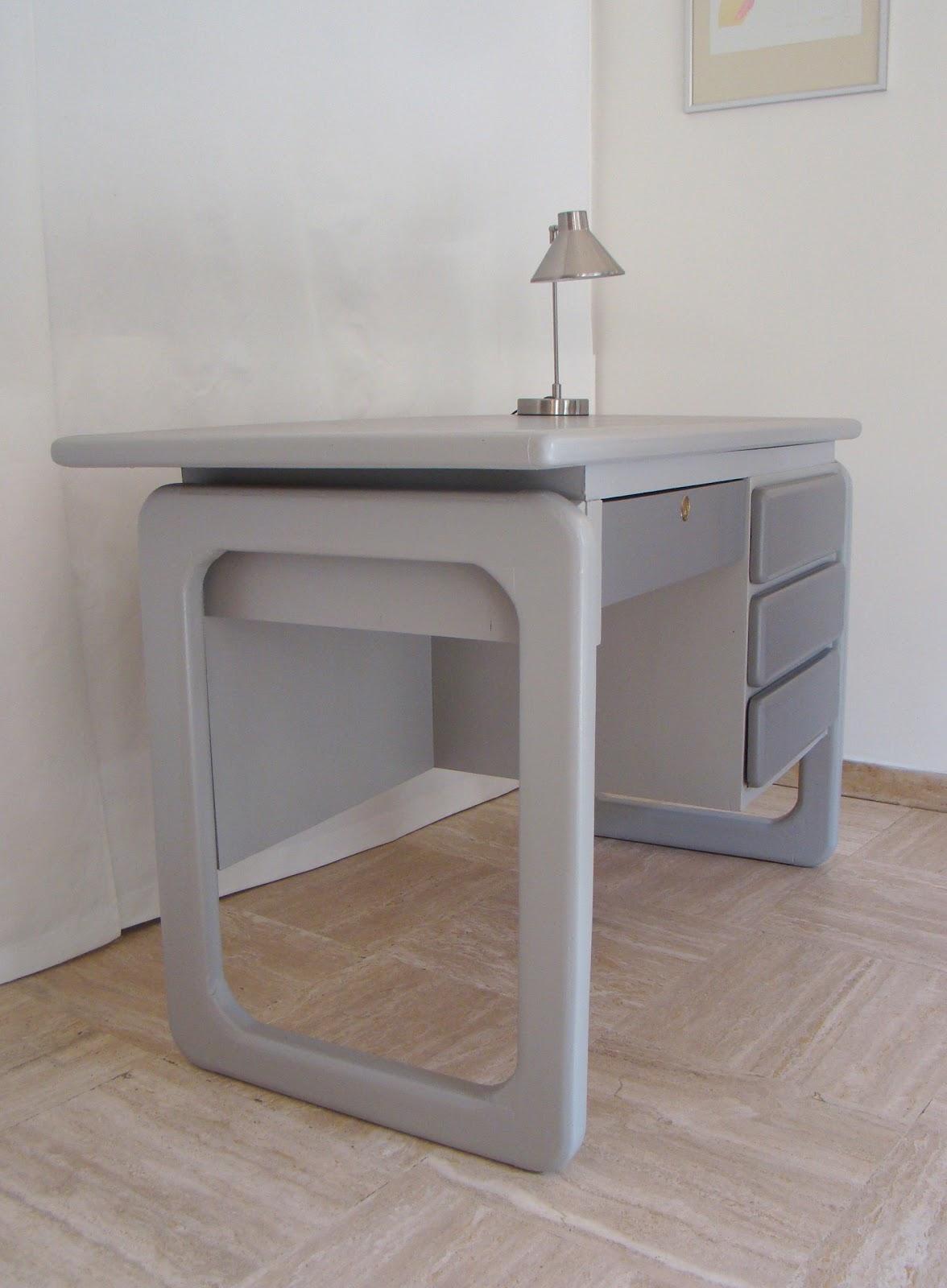 Bureau D Angle Arrondi vintage in villennes: bureaux