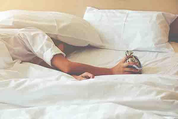 malesbanget bangun tidur