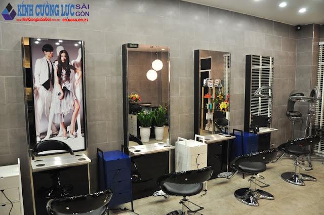 Mẫu tranh kính đẹp cho tiệm salon tóc