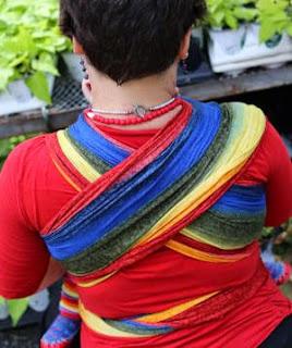Nytt i KoKoBello är härliga batikfärgade bärsjalar från Wrapsody. be7af93ae883d