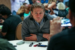 Charlie Hunnam has refused to appear in '50 shades of gray'