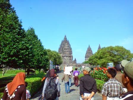 Gambar Candi Hindu terbesar di Indonesia