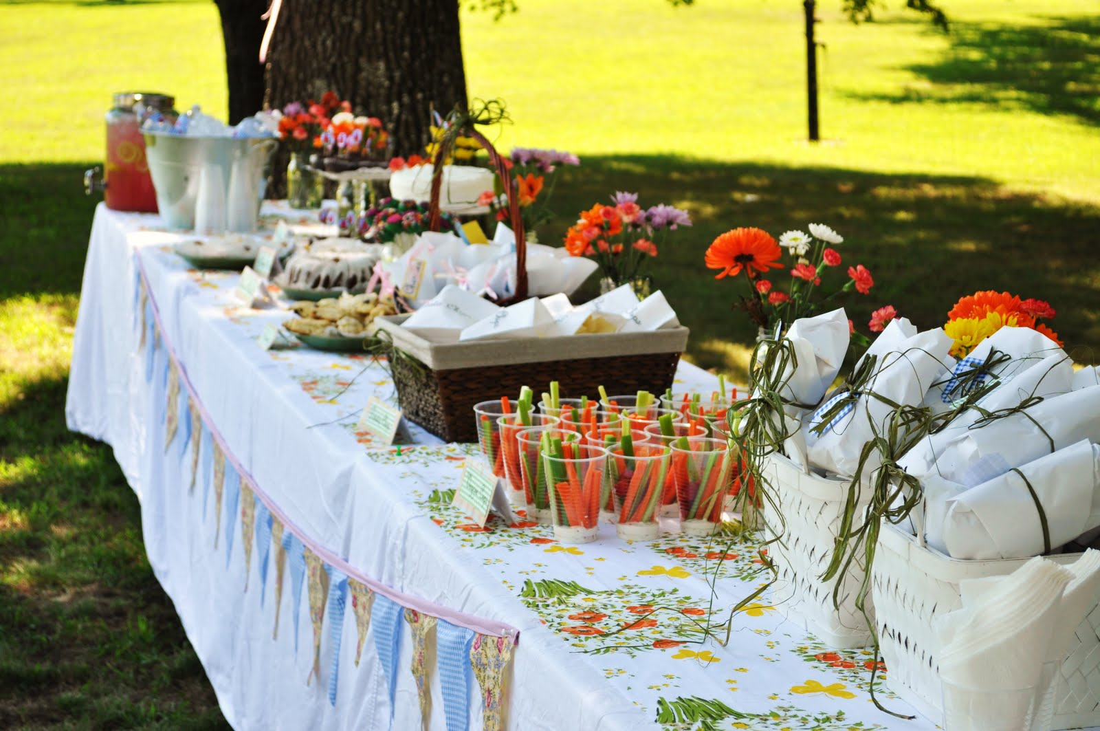 Outdoor Country Wedding Shower Ideas: Suburbs Mama: Picnic Bridal Shower