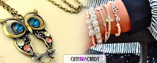 Bead Bracelets with Charm to Women
