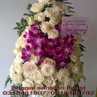 rangkaian buket bunga meja mawar plus anggrek