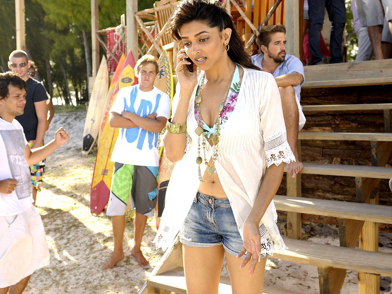 Usa Trending 2011 Deepika Padukone Hot Images-3563