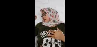 video Bokep Jilbab cantik nyepong dan ngentot