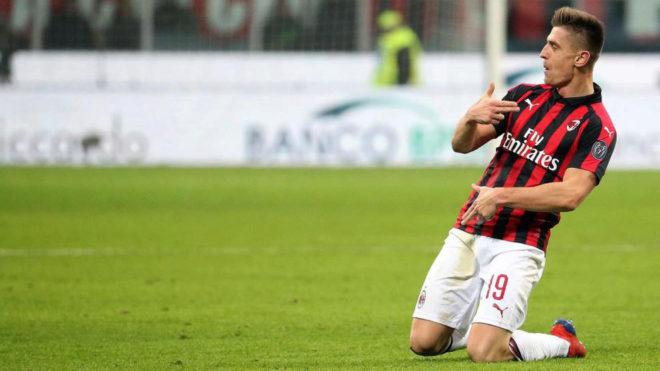 Cetak Brace ke Gawang Atalanta, Krzysztof Piatek Catat Sejarah di AC Milan