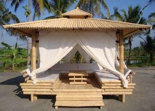 contoh gazebo dari bambu modern minimalis