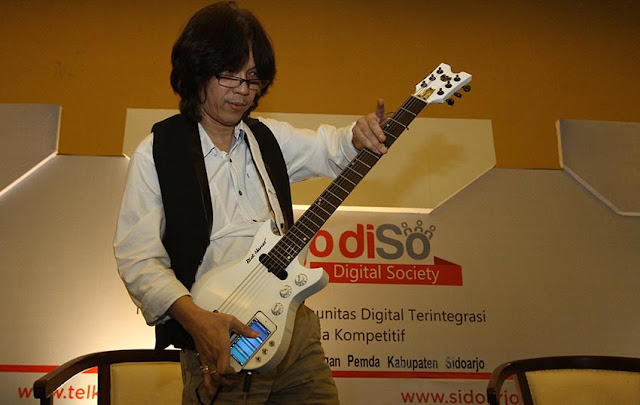 Gitaris Mr D Hernanto