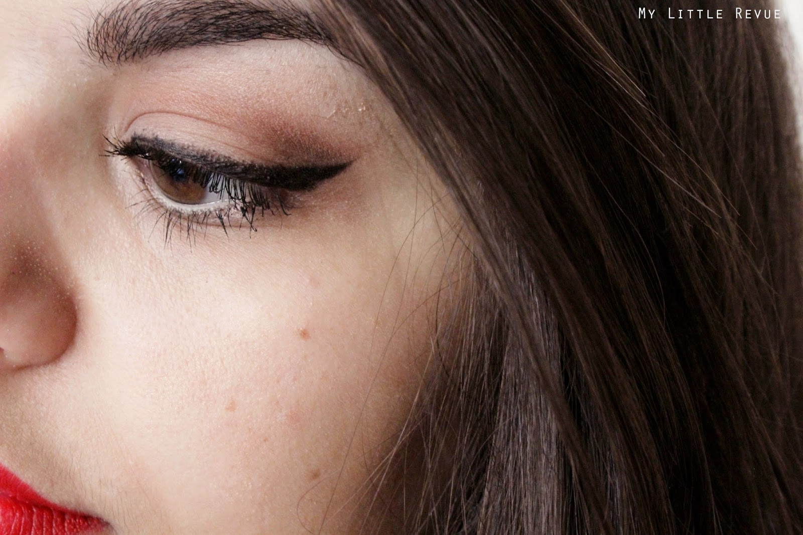 Maquillage pin-up saint valentin
