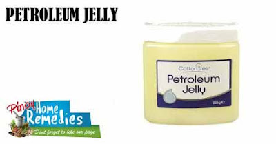 Home Remedies for Cracked Heels: Petroleum Jelly