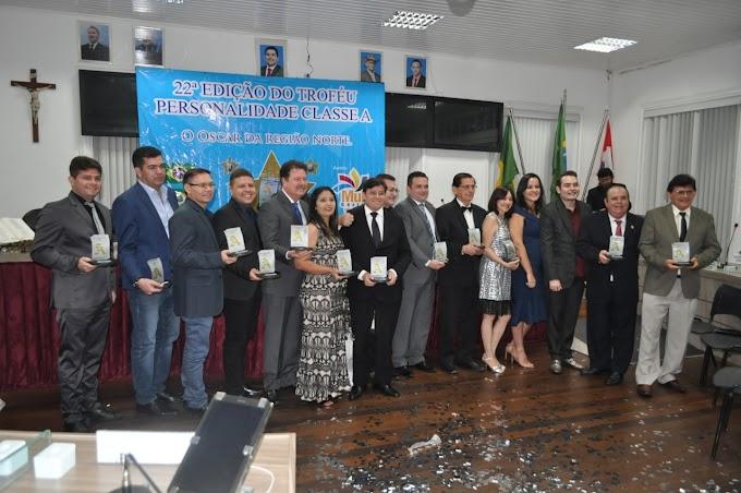 Elmo Aguiar, prefeito de Cariré tem gestão reconhecida e é homenageado na 22ª Edição do Troféu Personalidade Classe A