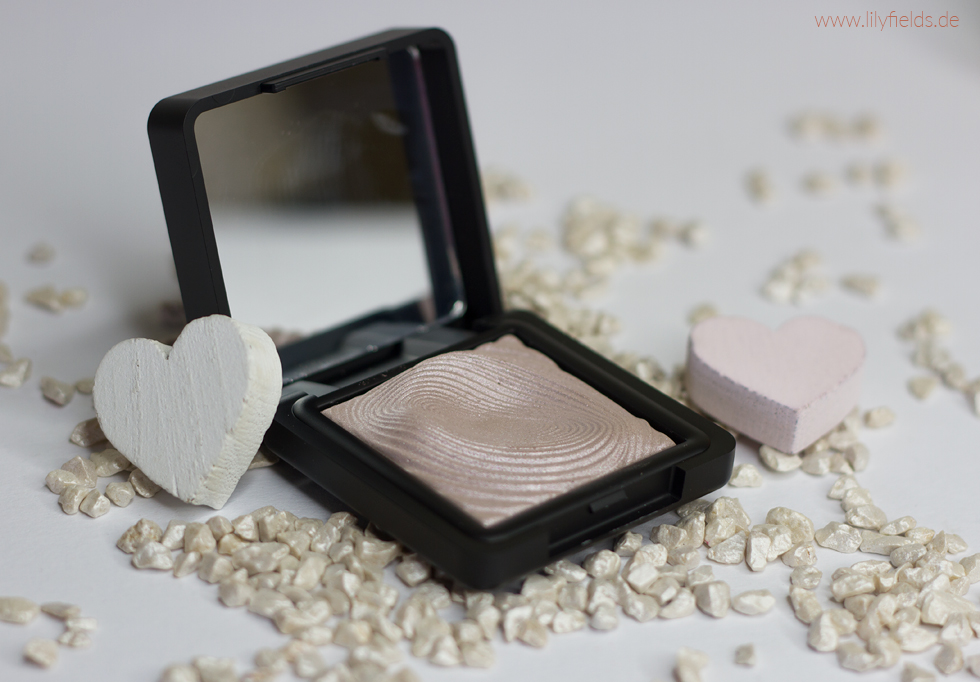 Foto zeigt Kiko Water Eyeshadow 227 Light Taupe