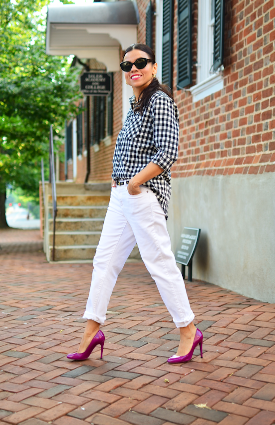Outfit with magenta heels