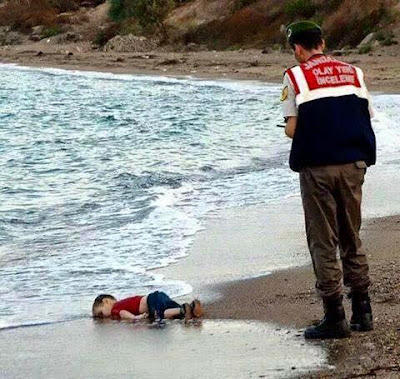 Aylan Kurdi on the beach in Turkey