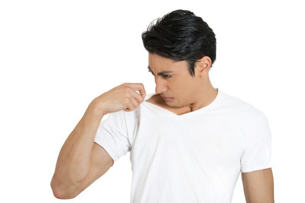 Cara Menghilangkan Bau Ketiak Pada Baju