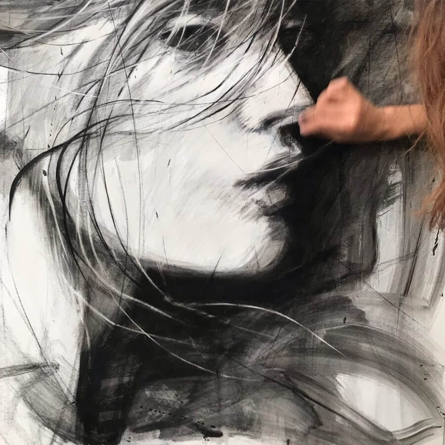 11-Large-Format-Oil-Paintings-and-Charcoal-Drawings-www-designstack-co