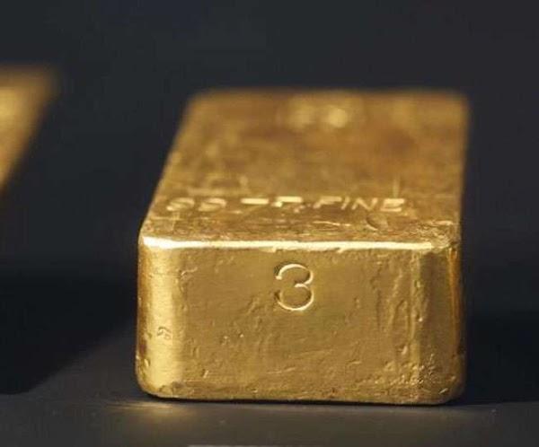 शरीर में 1 किलो सोना छिपाकर ला रहा था शख्स, तस्करी के आरोप में गिरफ्तार