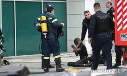 Φωτιά σε ξενοδοχείο στη Συγγρού: Απεγκλωβίστηκαν πέντε άνθρωποι (φώτο - βίντεο)