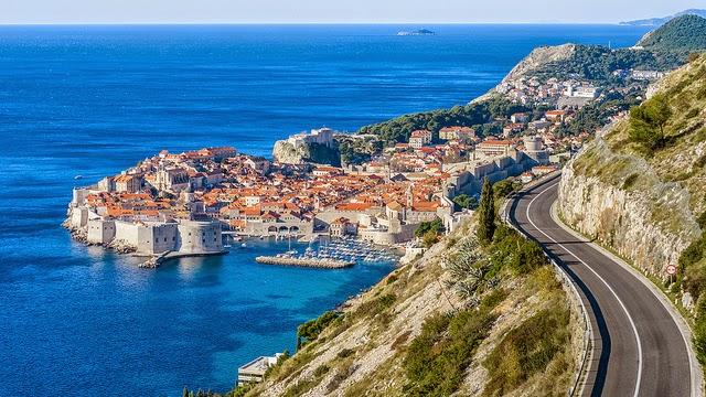 Viagem de carro alugado por Dubrovnik na Croácia