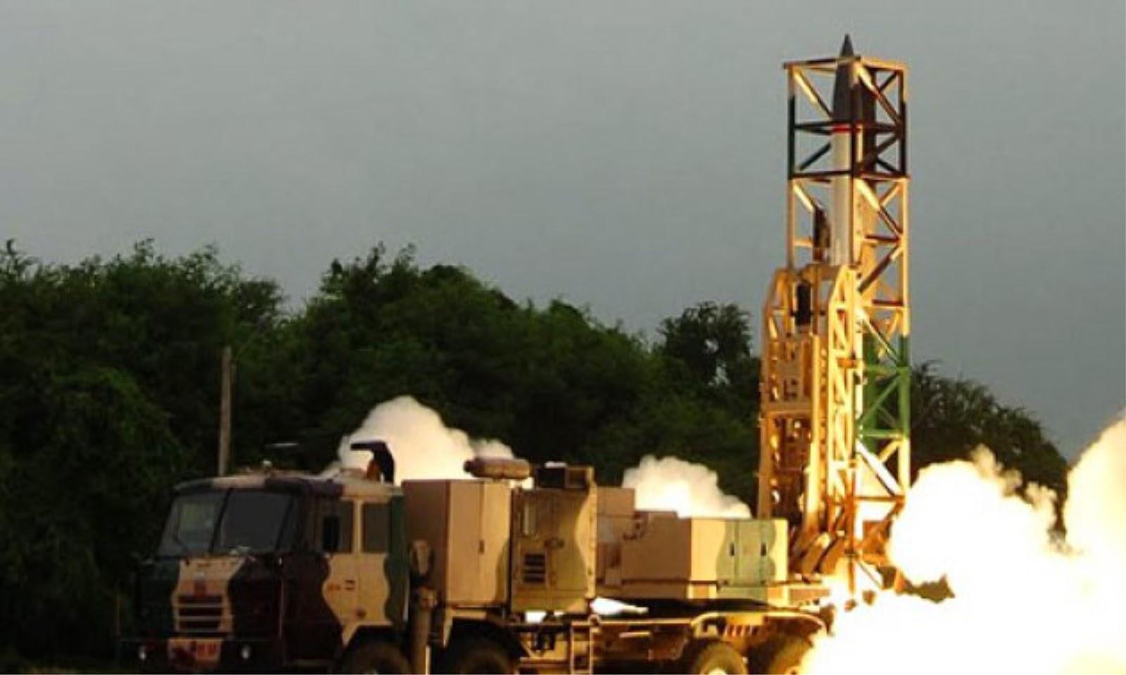 India berhasil menguji rudal balistik taktis Prahaar