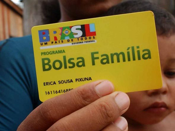 Ministério aponta 1,1 milhão de irregularidades no Bolsa Família. 469 mil benefícios serão cancelados e outros 654 mil, bloqueados.