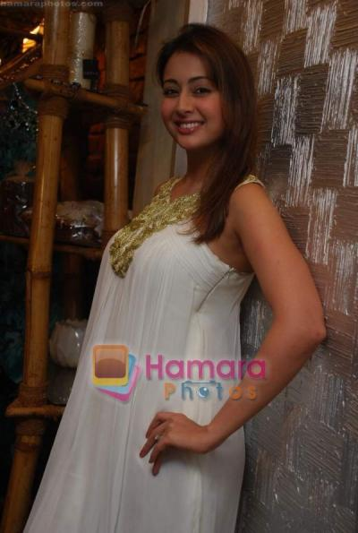 Indian Actress Bollywood Mom Preeti Jhangiani Boobs -9586