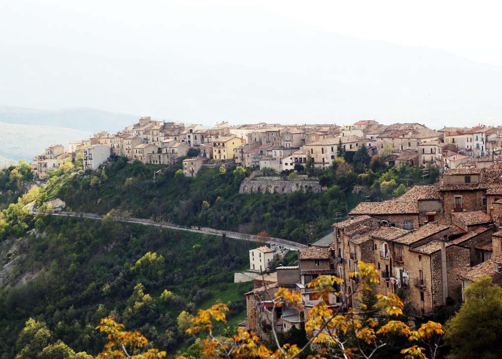Pacentro   Vila Turística da Itália