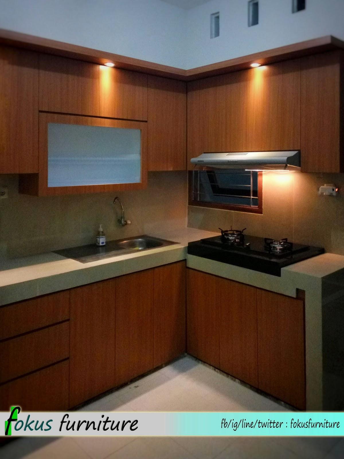 Kitchen set dan lemari bawah tangga minimalis pondok gede for Kitchen set yang baik