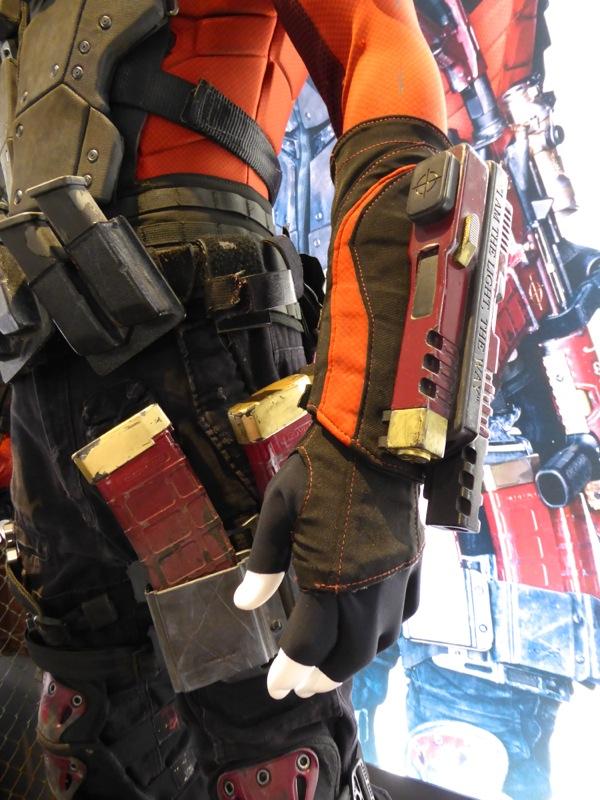 Deadshot costume gauntlets Suicide Squad